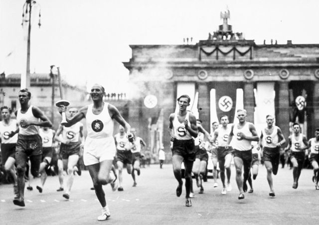 la storia della torcia delle olimpiadi