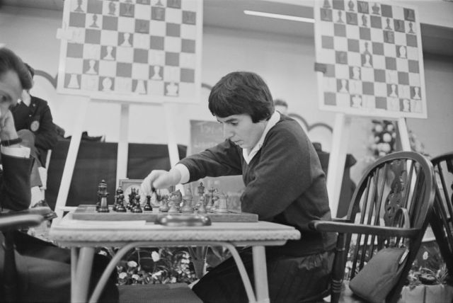 La regina degli scacchi: perché Nona Gaprindashvili ha fatto causa a Netflix