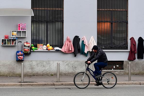 La retorica sul reddito di cittadinanza e sulle colpe di chi è in stato di indigenza è il mezzo dei politici per scacciare la paura dei poveri