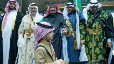 Photo of بالفيديو والصور.. خادم الحرمين يرعى حفل العرضة السعودية