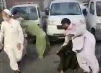 """Photo of """"شرطة مكة"""" تقبض على 6 باكستانيين تشاجروا بأحد أحياء جدة"""