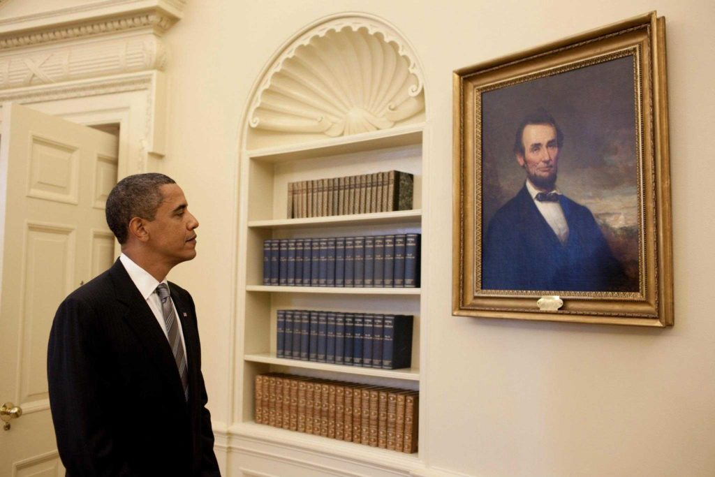 Abraham Lincoln Comprehension Worksheet and Pete souza President Barack Obama Looks at the Portrait Of