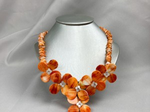 Orange Chip Bead Spiny Oyster Necklace With Floral Pendants