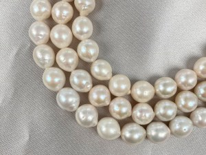 White Baroque Freshwater Pearl - Per String
