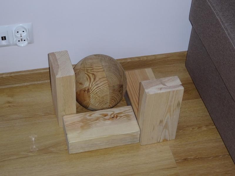 Zwierzyniec - kule i cegły