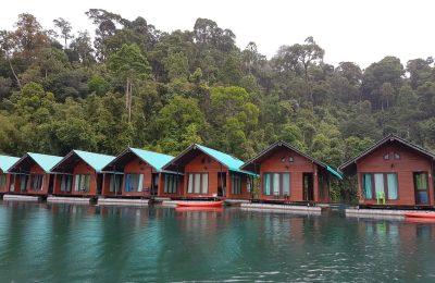 Cheow Lan ežeras ir plaukiojantys nameliai ant vandens