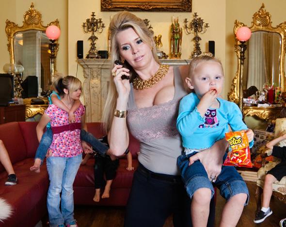 Jackie Siegel with her kids in 'Queen of Versailles'