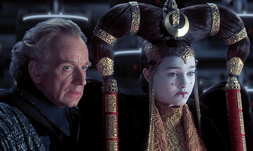 Palpatine manipulates Amidala in 'Star Wars: Episode I - The Phantom Menace'
