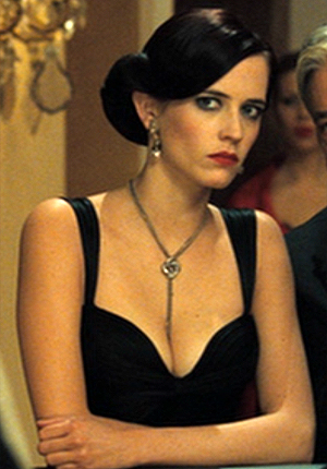 Eva Green seduces James Bond as Vesper Lynd in 'Casino Royale'