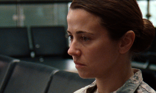 Linda Cardellini offers us a strong performance in 'Return'