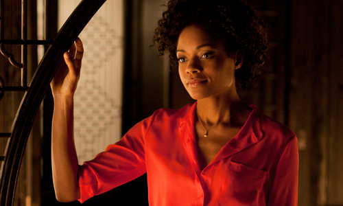 Naomie Harris 'kills' Bond in 'Skyfall'