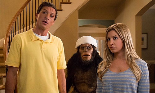 Ashley Tisdale and Simon Rex look like they're wondering why they appeared in this movie.