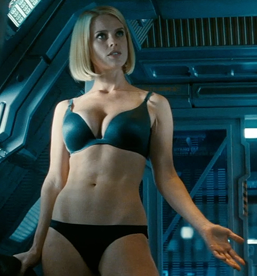 Alice Eve strips down as Dr. Carol Marcus in 'Star Trek Into Darkness'