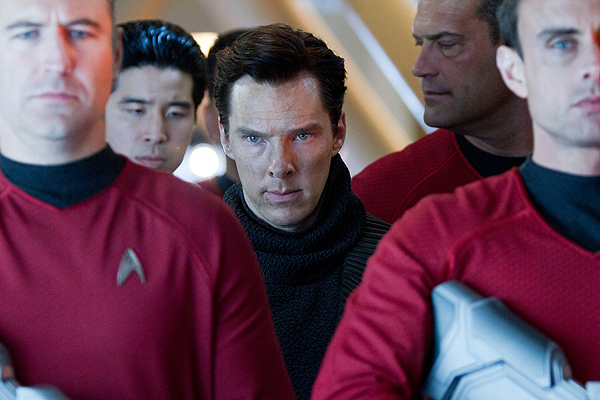 Benedict Cumberbatch plays Khan in 'Star Trek Into Darkness'