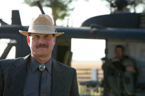 "Bill Paxton's ""Earl"" puts a great big R in the word ruthless in '2 Guns'"
