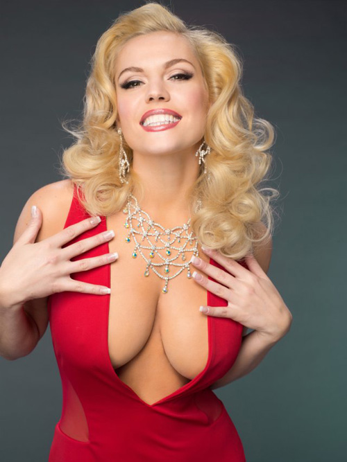 Agnes Bruckner may be beautiful, but she relied on special effects to recreate Anna Nicole Smith's ample bossom