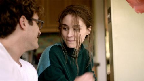 Joaquin Phoenix and Rooney Mara in 'Her'