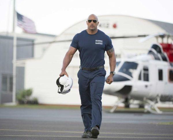 Dwayne Johnson stars in 'San Andreas'