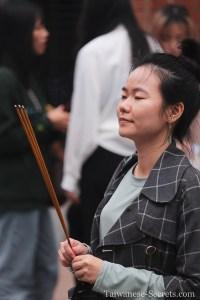 taiwanese girl praying