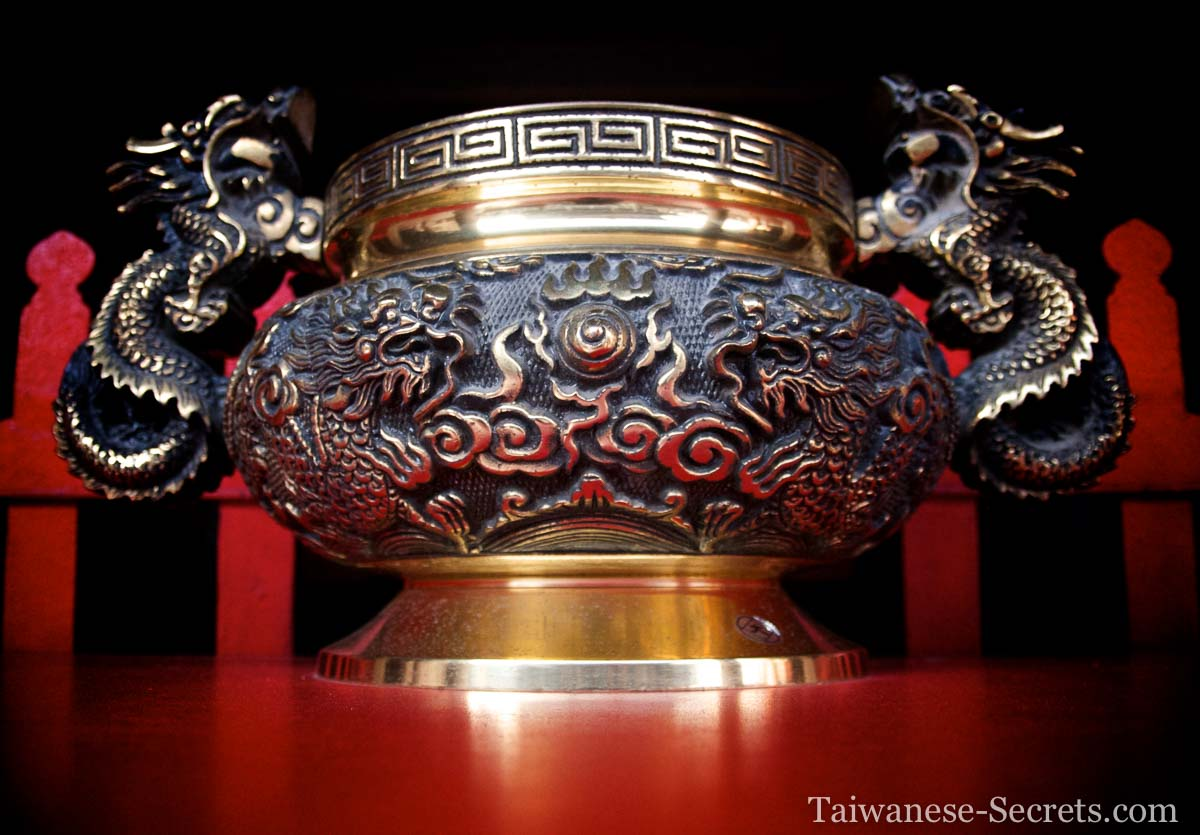 Incense holder temple chinese