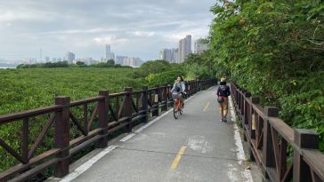 Tamsui river bike ride