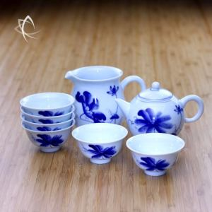 Hand Painted Lotus Flower Gongfu Tea Set for 6