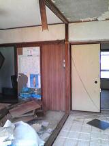 天井の鴨居は撤去木目部分はクロス貼ります