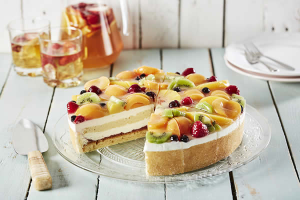 SUMMER FRUIT & ELDERFLOWER GATEAUX