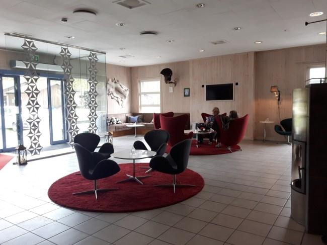 ijshotel lobby
