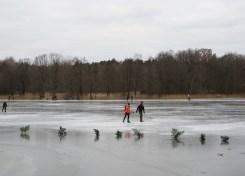 Hellasgarden in de winter: schaatsen op natuurijs