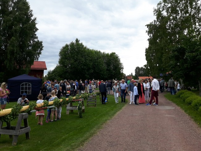 meipaal midzomer in mora