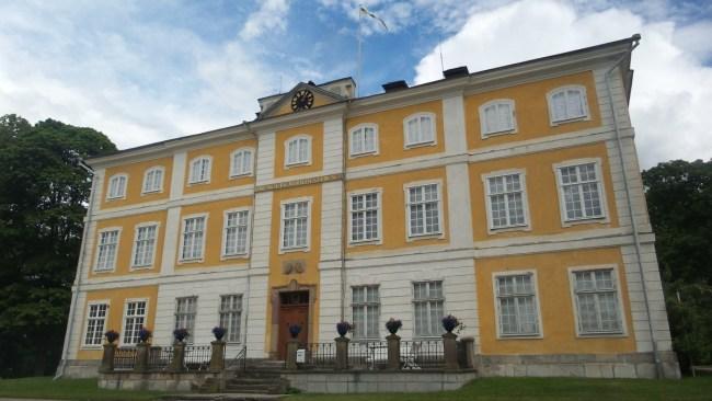 Julita Manor