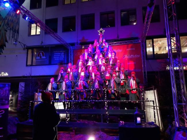 Den Sjungande Julgranen