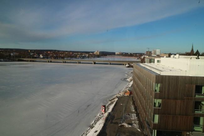 Zicht op de Umeå-rivier