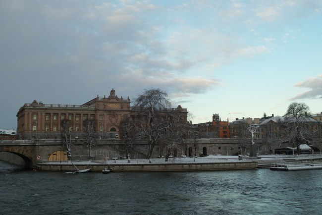 Riksdag Stockholm in de sneeuw