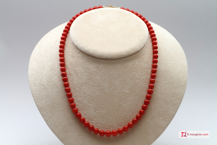 Extra Red Coral Necklace Dark Color round 6½-7mm in Gold 18K