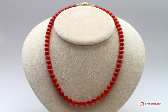 Extra Red Coral Necklace Light Color round 7½-8mm in Gold 18K