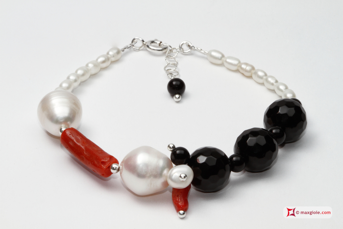 Trendy Bracelet red Coral Pearls black Agate in 925 Silver