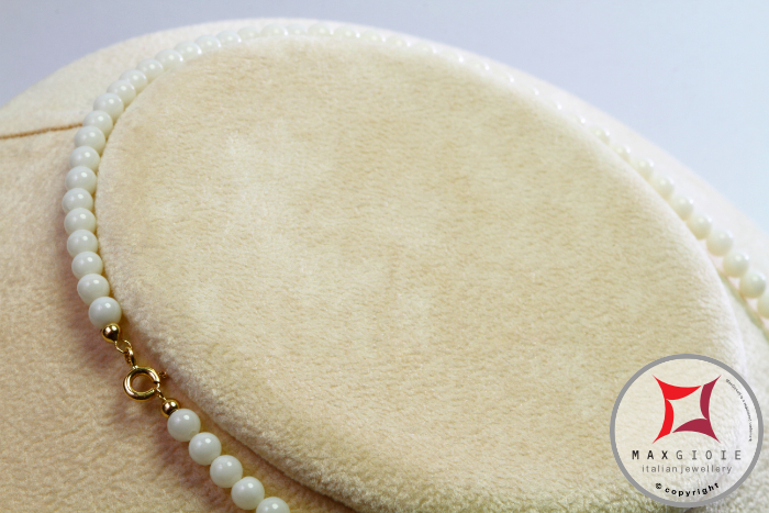 Extra White Coral Necklace 4-4¾mm in Gold 18K [various diameters]