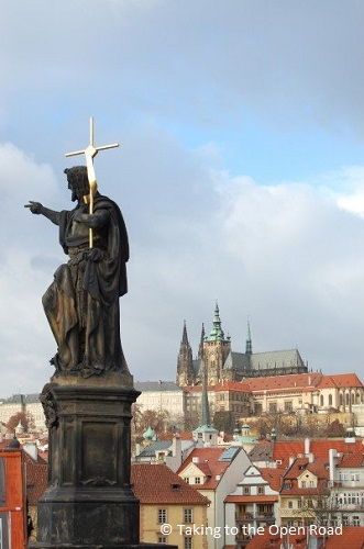 3-days-in-prague-charles-bridge-statue-castle-takingtotheopenroad-peggytee