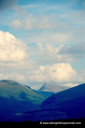 2 weeks in england and scotland scottish highlands taking to the open road peggy tee-001