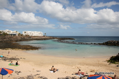 Lanzarote Teguise_Costa_Teguise taking to the open road peggy tee wikimedia