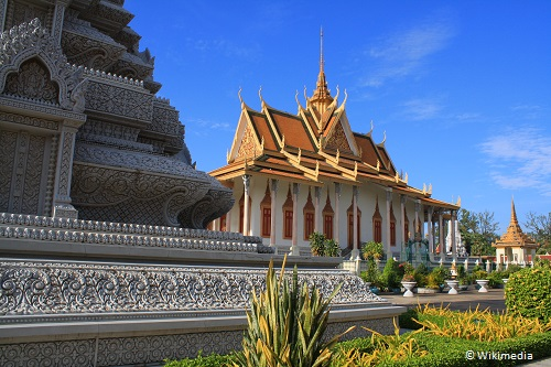 3-days-in-siem-reap-royal-palace-silver-pagoda-takingtotheopen-road-peggy-tee-wikmedia