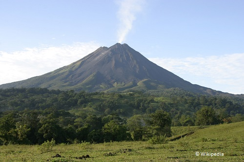7-days-in-costa-rica-arenal-volcano-takingtotheopenroad-peggytee-wikipedia