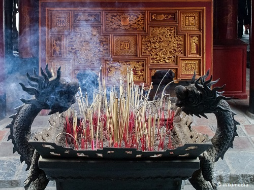 travelling in vietnam incense in temple of literature hanoi takingtotheopenroad peggytee wikimedia