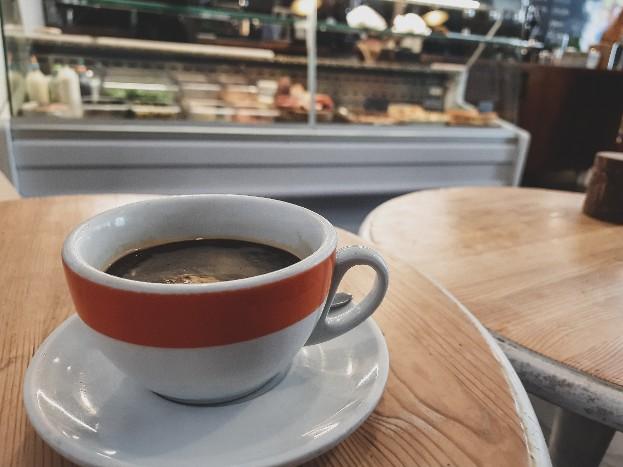 【おすすめカフェ紹介】キュートなカフェ「Papii」と霧のエディンバラ 〜