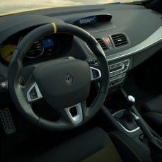 Gran-Turismo-Sport-Renault-Sport-Mégane-RS-Trophy-Safety-Car-003