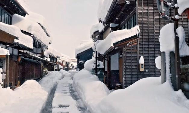 Japon: Découvrez les chutes de neige exceptionnelles dans la préfecture de Toyama