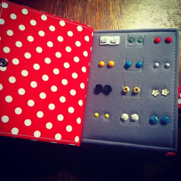 little book of earrings