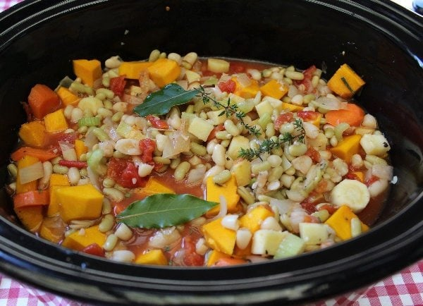 Slow Cooker Vegetable & Cider Cassoulet is a delicious healthy take on the classic French dish. Packed full of flavour - the perfect one pot meal !